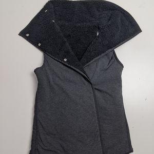 Ivivva Forever Vest Sherpa Reversible 10